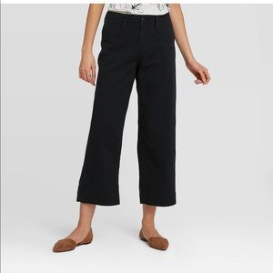 A.N.D. Wide Leg Crop Pants